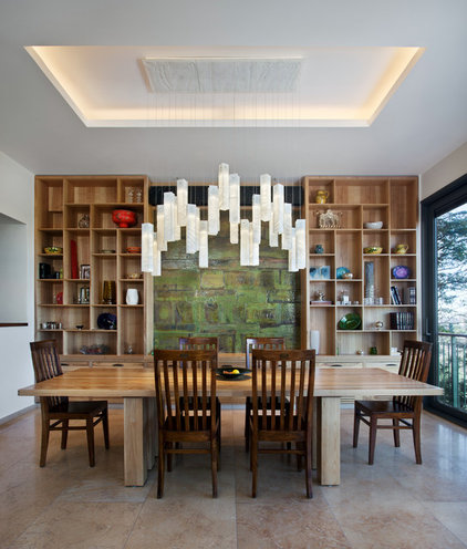 Contemporary Dining Room by Shakúff