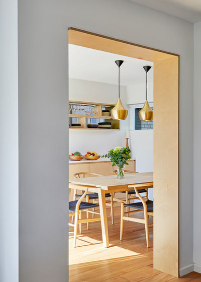 Midcentury Dining Room by Slightly Quirky Ltd
