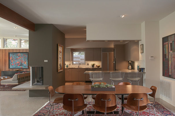 Midcentury Dining Room by Steinbomer, Bramwell & Vrazel Architects