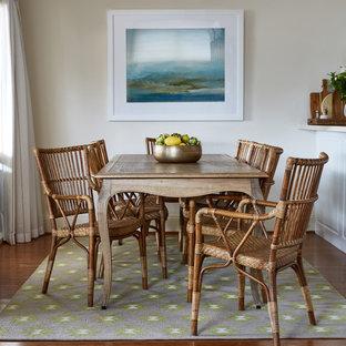 Idéer för lantliga kök med matplatser, med beige väggar, bambugolv och brunt golv