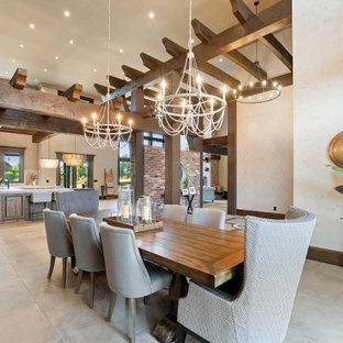 Diseño de comedor de estilo americano, abierto, con paredes beige y suelo gris