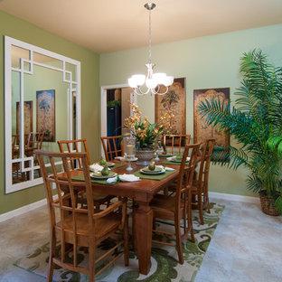 Foto de comedor tropical, cerrado, sin chimenea, con paredes verdes