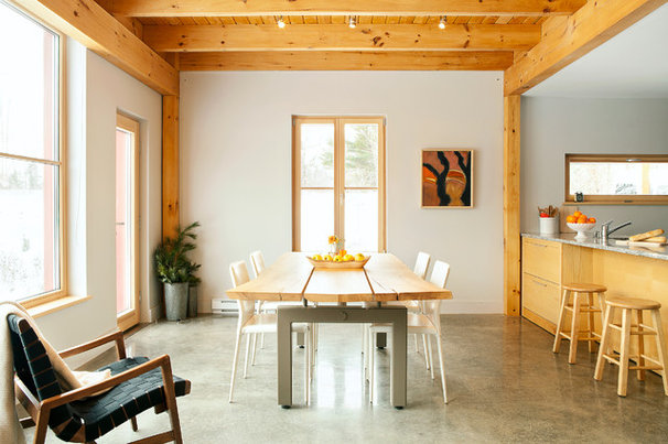 Contemporary Dining Room by GO LOGIC