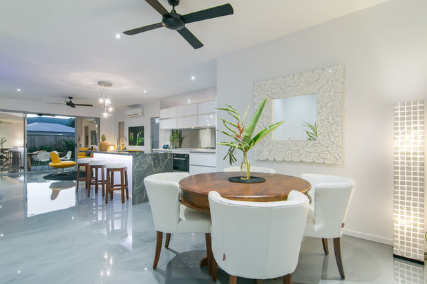 Contemporary Dining Room by Kenick Constructions
