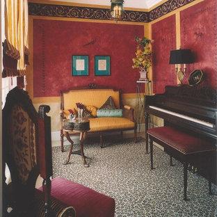 Imagen de comedor tradicional, pequeño, cerrado, con paredes rojas y suelo de mármol