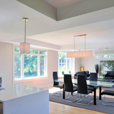 Modern Dining Room by Cedarstone Homes Limited
