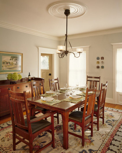 Traditional Dining Room by Polhemus Savery DaSilva