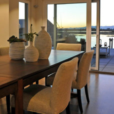 Modern Dining Room by Warline Painting Ltd.