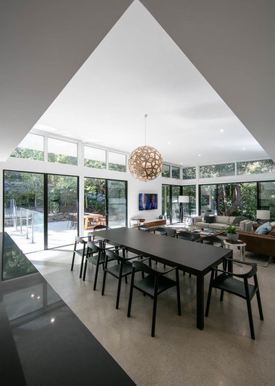 Contemporary Dining Room by Atelier Bond