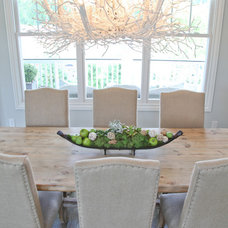 Eclectic Dining Room by Home Staging Specialists