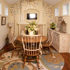 Traditional Dining Room by Potterhill Homes, LLC