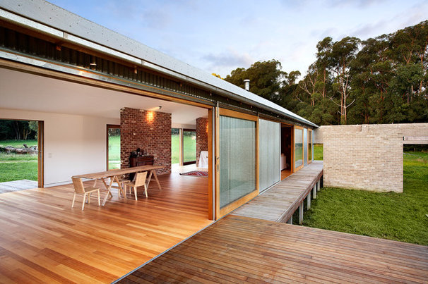 6 houses inspired by the australian vernacular shed for Shed home designs australia
