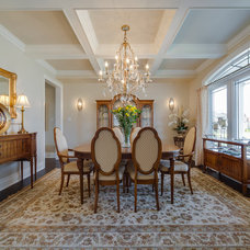 Traditional Dining Room by Alair Homes