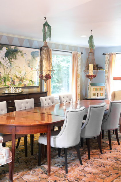 Traditional Dining Room by Celia Bedilia
