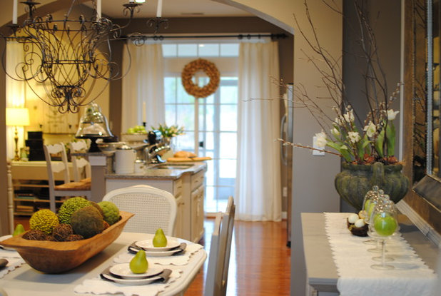 Houzz Tour: Traditional-Style Townhouse in Colonial ...