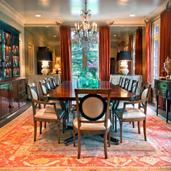 traditional dining room by Jason Arnold Interiors | Nashville, Tennessee