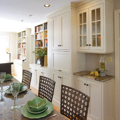 traditional dining room by Kleppinger Design Group, Inc.