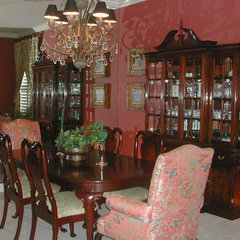 traditional dining room by Patricia Benson