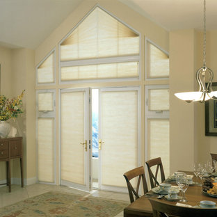 Example of a classic dining room design in Burlington