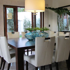 tropical dining room by Berezowski & Asociados
