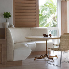 tropical dining room by Philpotts Interiors