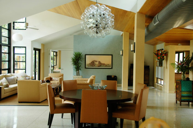 Tropical Dining Room by BARRETT STUDIO architects