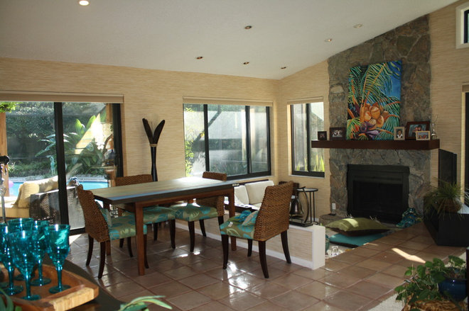 Tropical Dining Room by CREATIVE DESIGN TEAM-Marya Flurnoy