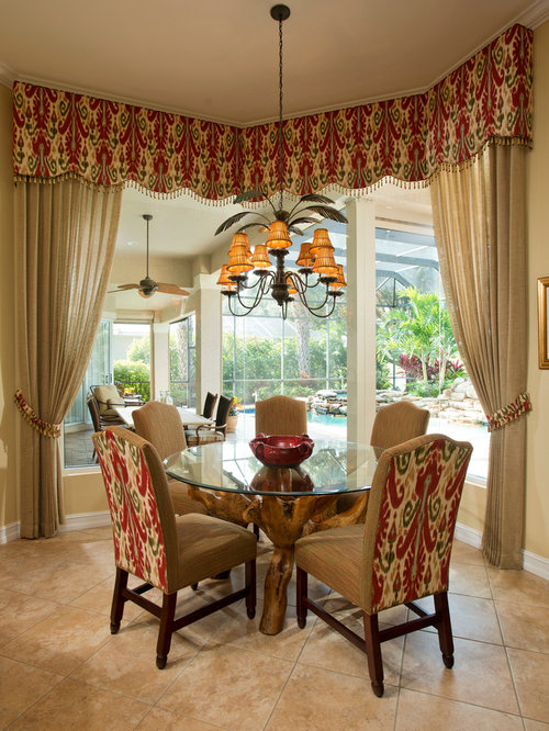 Small tropical dining room design ideas remodels photos for Tropical dining room ideas
