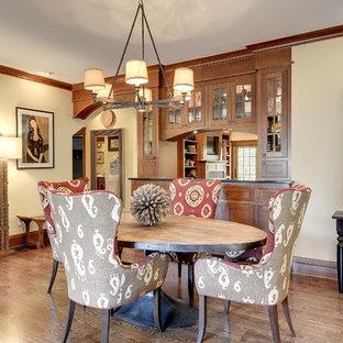 Ispirazione per una sala da pranzo aperta verso il soggiorno stile americano