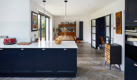 Kitchen Tour: A Cedar-clad Extension With an Unusual Layout