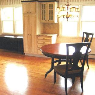 Dining room - traditional dining room idea in Bridgeport