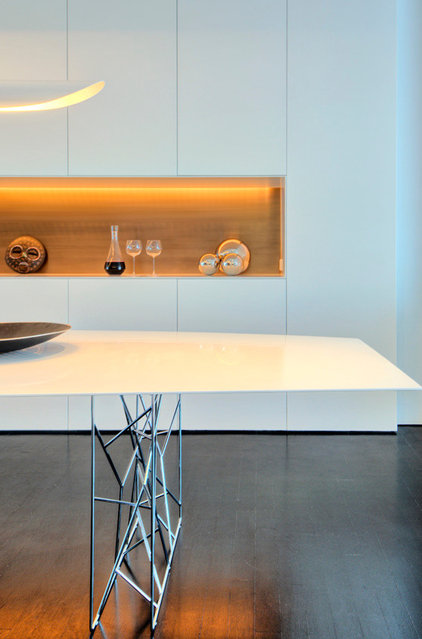 Modern Dining Room by West Chin Architects & Interior Designers