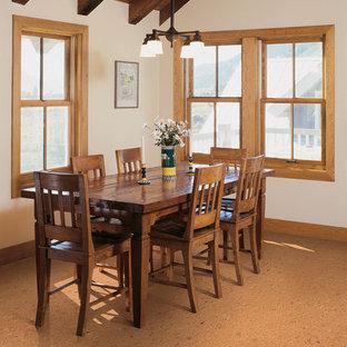 Ispirazione per una sala da pranzo aperta verso la cucina american style di medie dimensioni con pareti bianche e pavimento in sughero