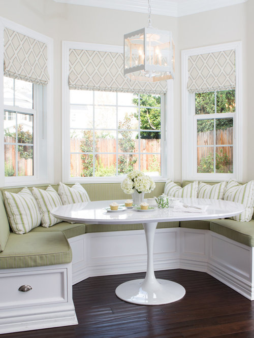 Traditional dining room design ideas remodels photos for Small dining room ideas houzz