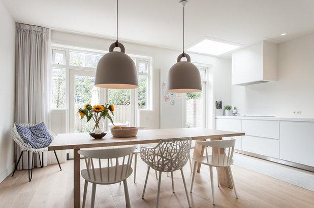 Scandinavian Dining Room by Bob Romijnders Architectuur en Interieur