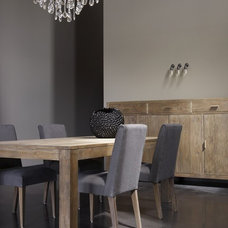 Modern Dining Room by Thicaro