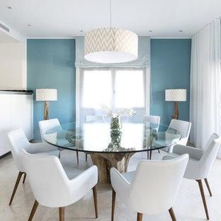 Salle A Manger Avec Un Mur Bleu Et Un Sol En Marbre Photos Et