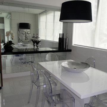 Viscaynne- small condo white, grey and black