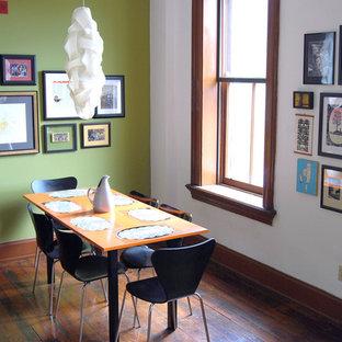 Idéer för vintage matplatser, med gröna väggar och mörkt trägolv