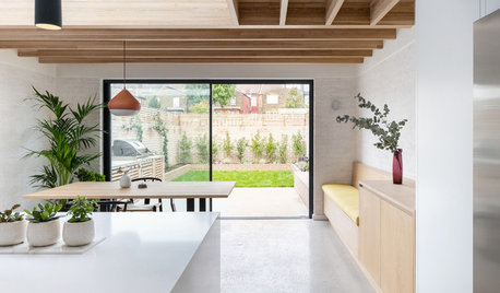 Kitchen Tour: An Old Lean-to Becomes a Clean, Fresh Kitchen-diner