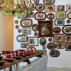 Traditional Dining Room wall groupings