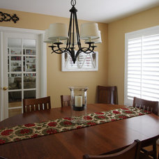 Traditional Dining Room by Marcella Zita