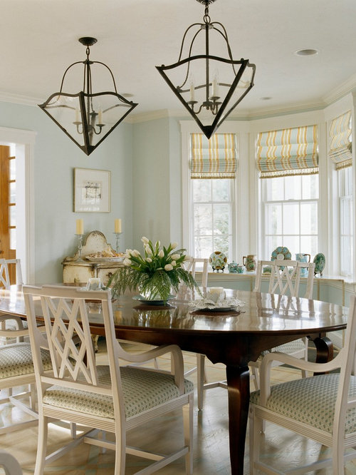 Dining Room Dark Romantic: Dark Table Light Chairs