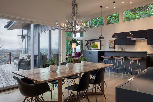 Contemporary Dining Room by Scott Edwards Architecture
