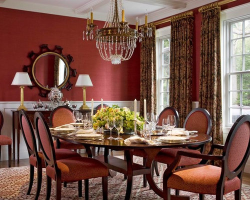 Traditional red enclosed dining room design ideas for Traditional red dining room