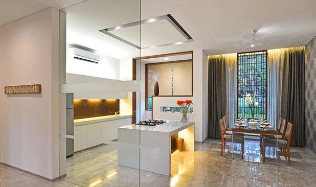 Modern Dining Room by KRISHNAN+PARVEZ+architects