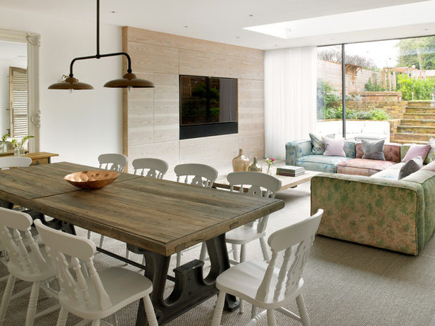 Contemporary Dining Room by LEIVARS
