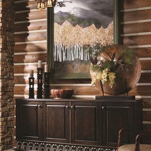 Foto på en funkis matplats, med bruna väggar och klinkergolv i keramik