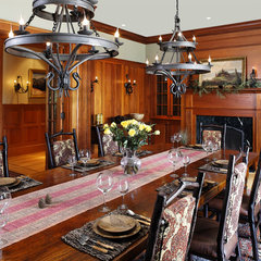 traditional dining room by Carl Vernlund