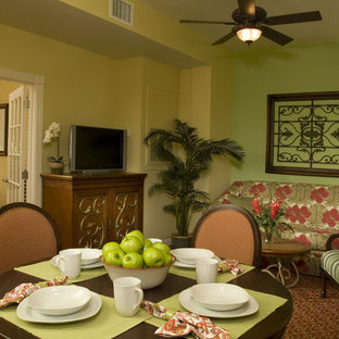 Photo of a tropical dining room in New Orleans.